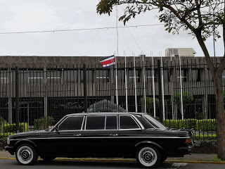 Presidential-Palace-of-the-Republic-of-Costa-Rica.-MERCEDES-300D-LIMOUSINE-SERVICE.jpg